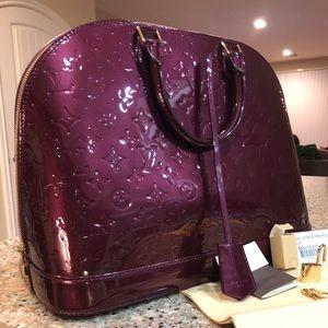 448bb445a2c6 Louis Vuitton Accessories - Louis Vuitton Alma Vernis MM Rouge Fauviste